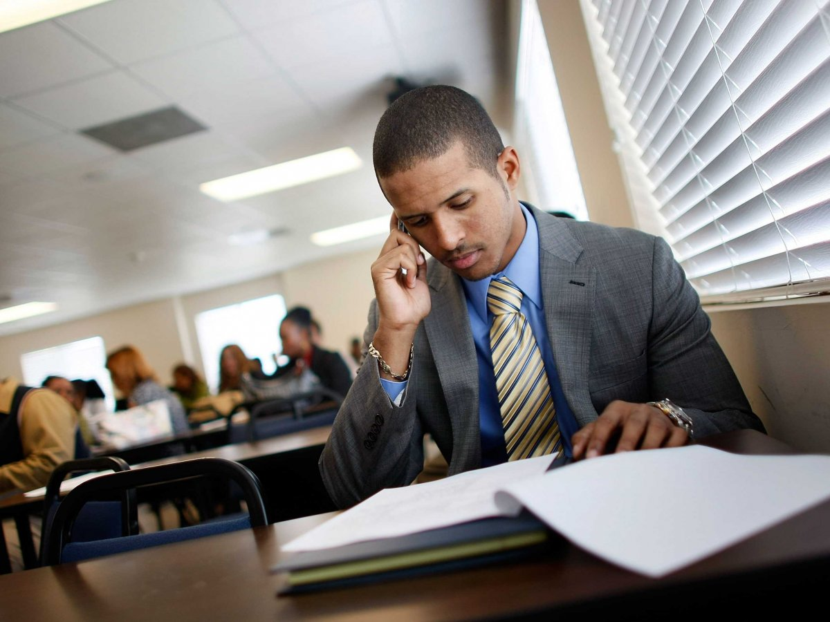 How to Manage Cell Phone at the Job Interview?
